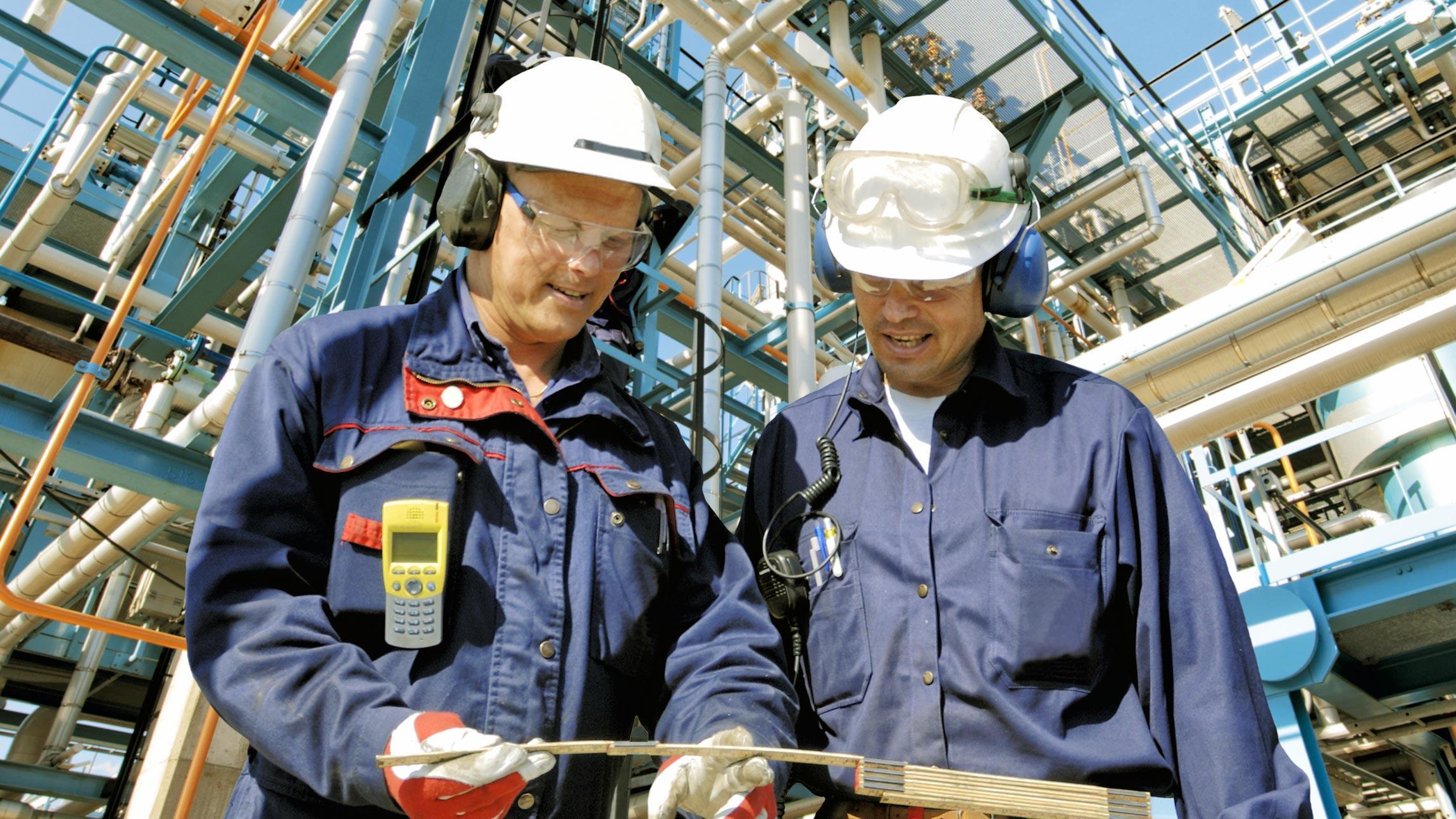 Enersensen toimialat energiateollisuus, rakennusteollisuus, elektroniikkateollisuus ja sähköteollisuus